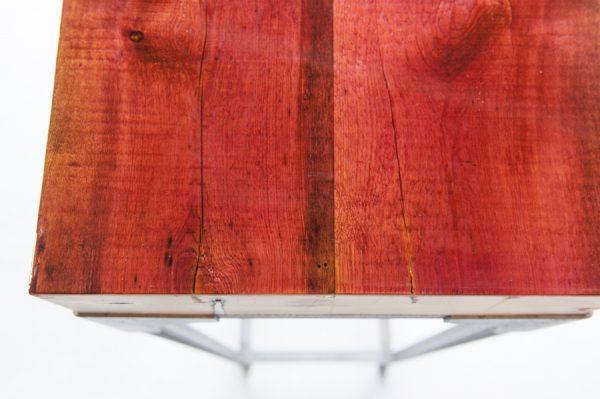 epoxy in kleur op tafel industrieel sokkel zuil