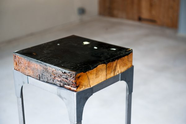 epoxy tafel verkoold hout sokkel zuil