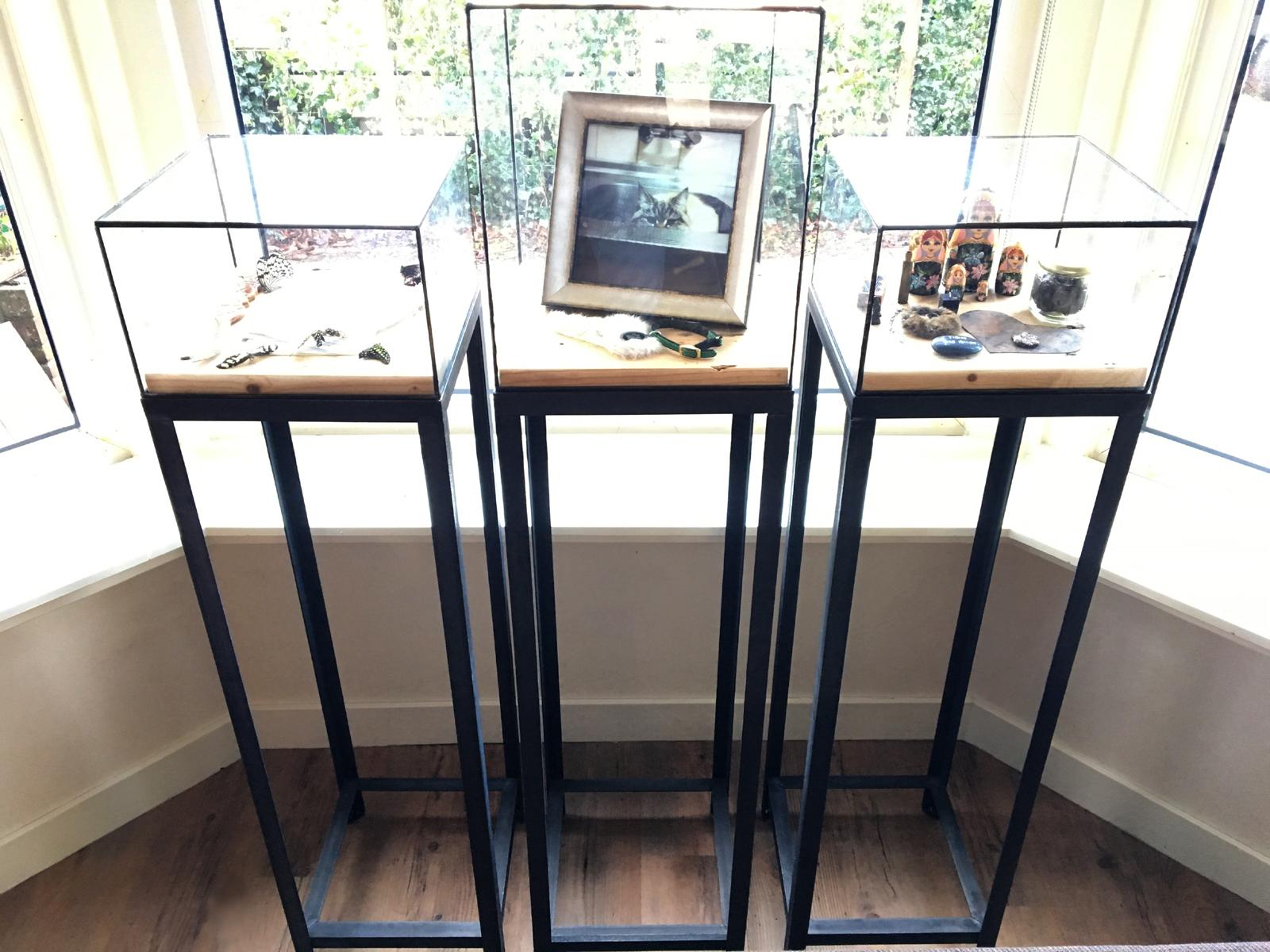 sokkel vitrine glas in lood zuil stolp goudsmid